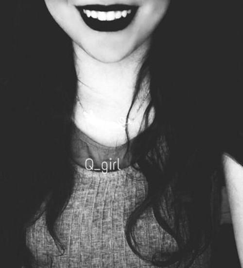 بعضیا با لبخند دردشونو نشون میدن