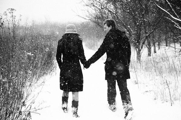 در گوش دانه های برف نام تو را زمزمه خواهم کرد