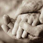 دستان زحمتکش یک مادر
